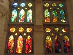 011_Sagrada_Família,_interior,_vitrall_de_la_nau